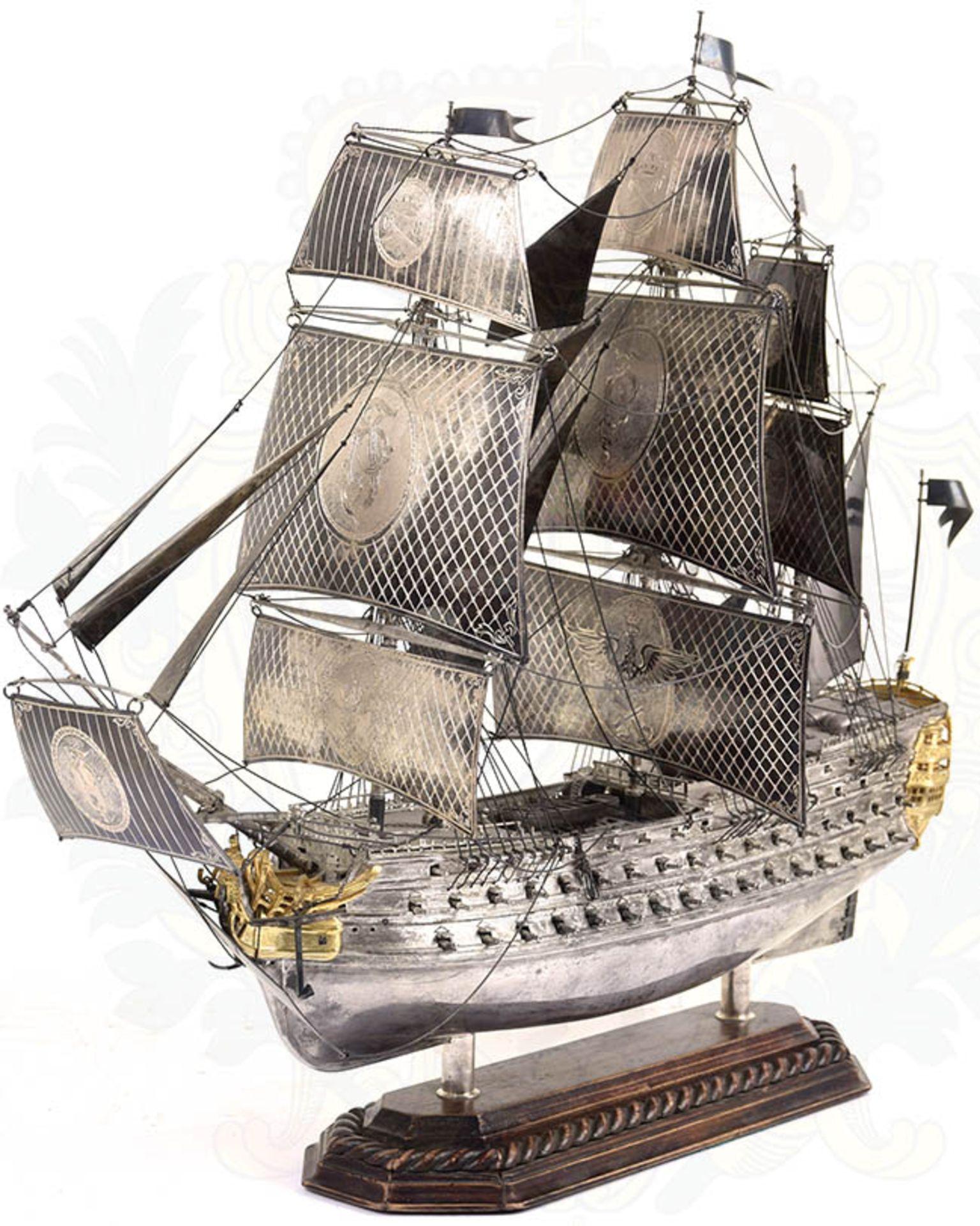 MODELL-LINIENSCHIFF, Dreidecker-Segellinienschiff der 2. Hälfte des 18. Jhd. mit 100 Kanonen, - Bild 14 aus 15