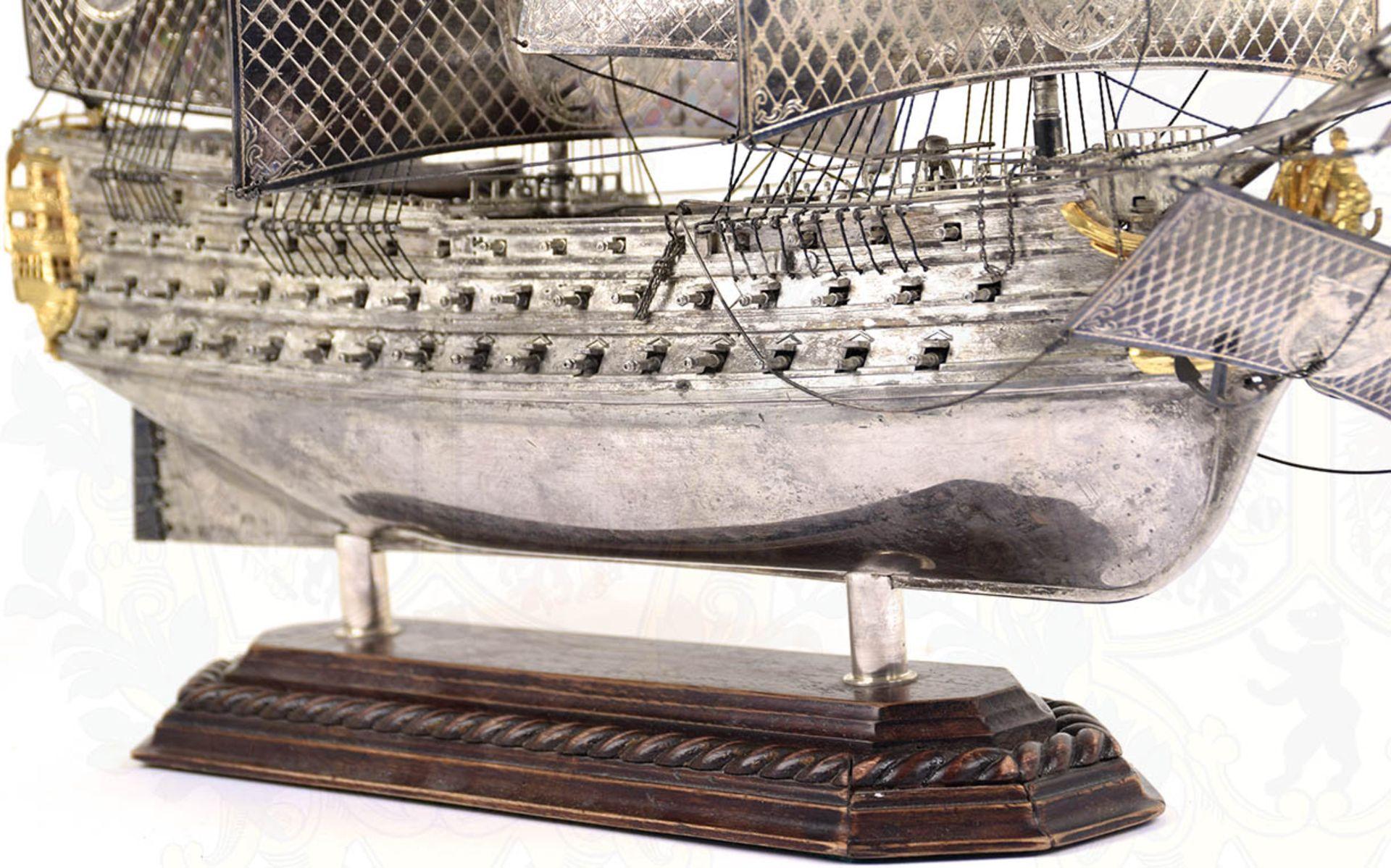 MODELL-LINIENSCHIFF, Dreidecker-Segellinienschiff der 2. Hälfte des 18. Jhd. mit 100 Kanonen, - Bild 9 aus 15