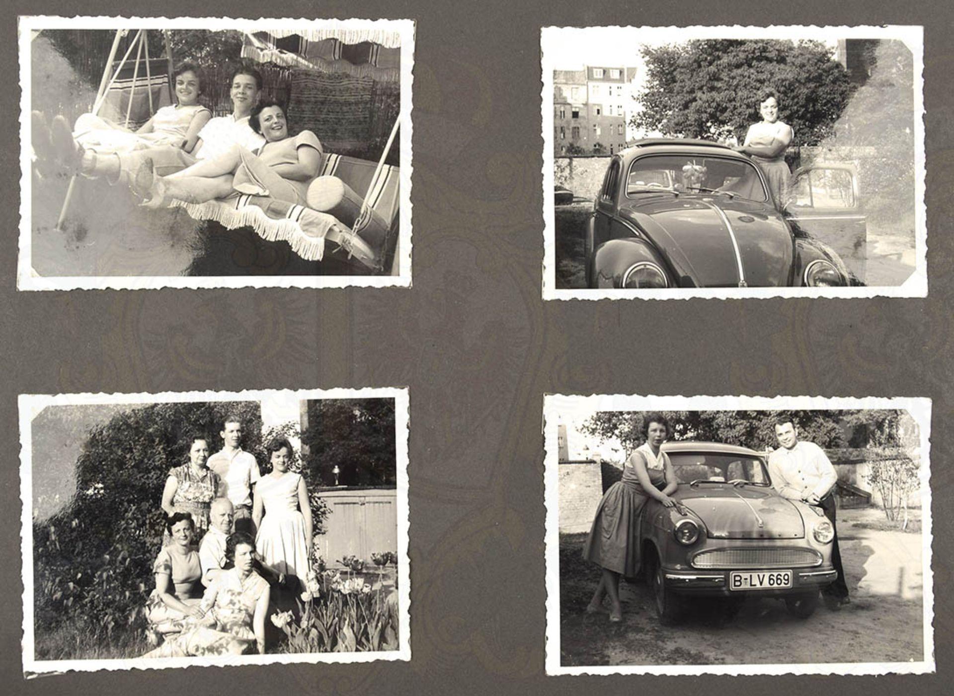 FOTOALBUM EINER WEST-BERLINER FAMILIE, ca. 200 Aufn., 30er-60er Jahre, meist nach 1945, dabei: - Bild 3 aus 4