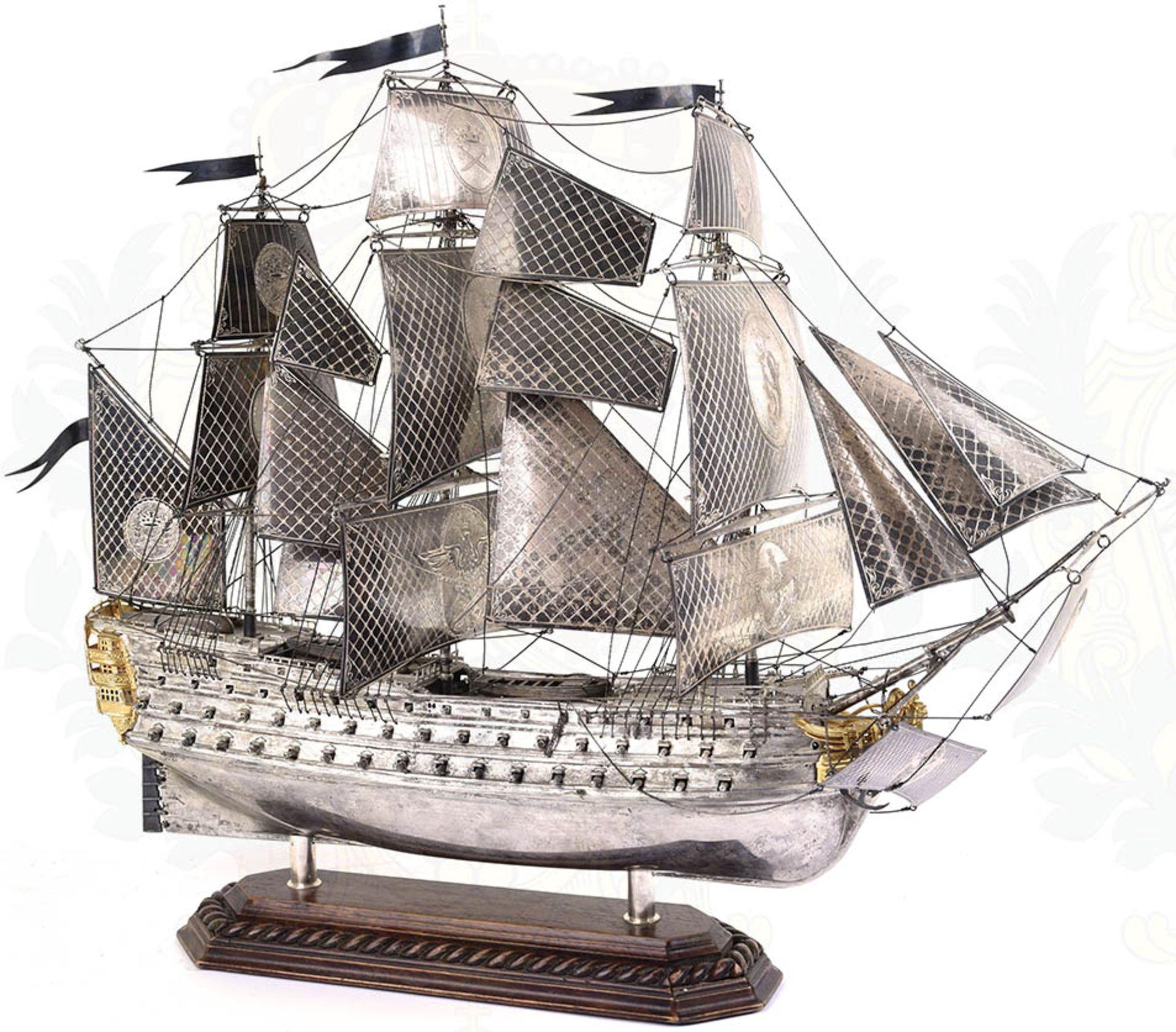 MODELL-LINIENSCHIFF, Dreidecker-Segellinienschiff der 2. Hälfte des 18. Jhd. mit 100 Kanonen, - Bild 11 aus 15