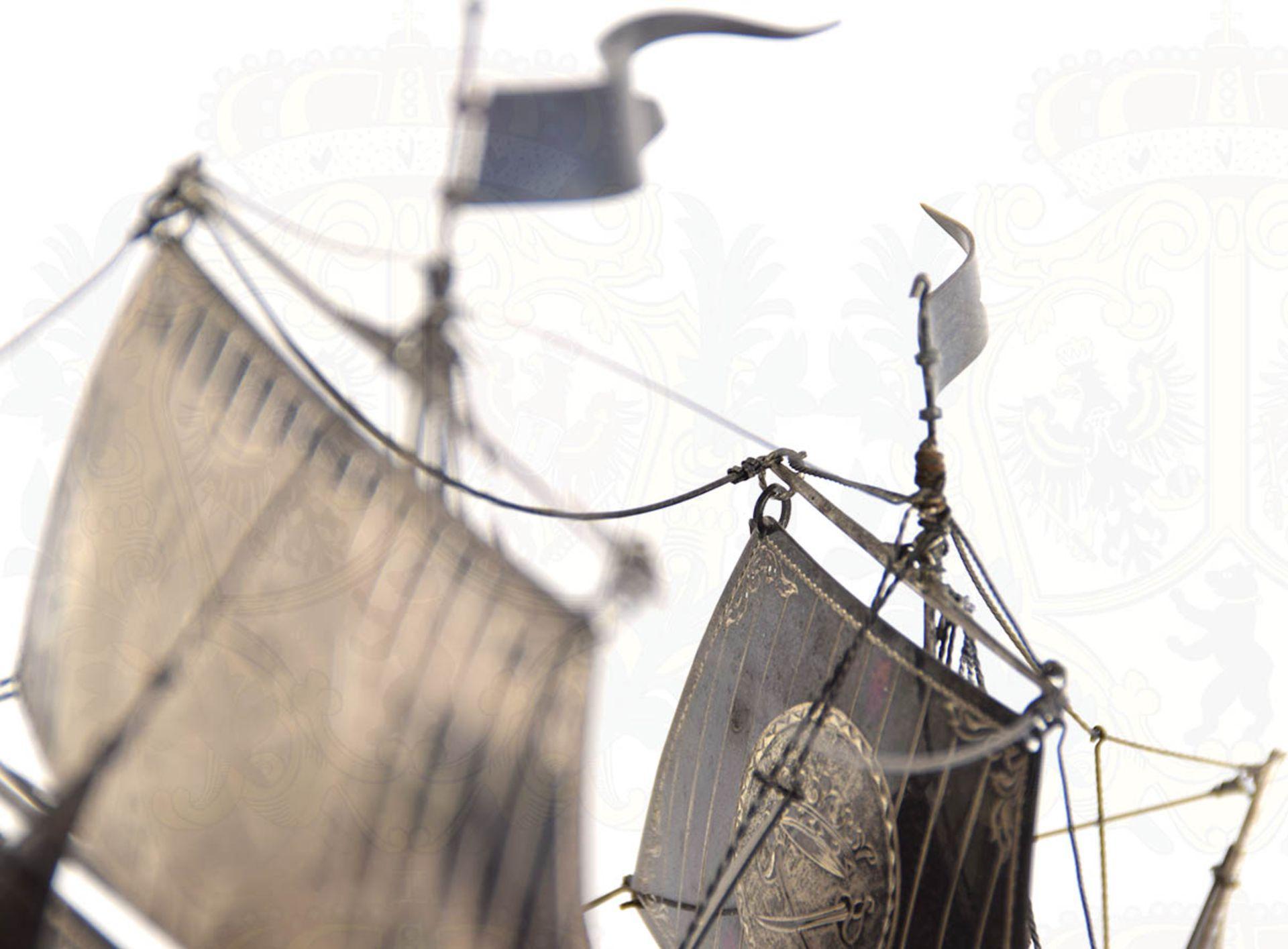 MODELL-LINIENSCHIFF, Dreidecker-Segellinienschiff der 2. Hälfte des 18. Jhd. mit 100 Kanonen, - Bild 4 aus 15