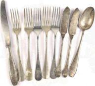 KONVOLUT RESTAURANT-BESTECK: 5 Speisegabeln, 2 Fischmesser, jew. 1 Tafel-Messer u. -Löffel,