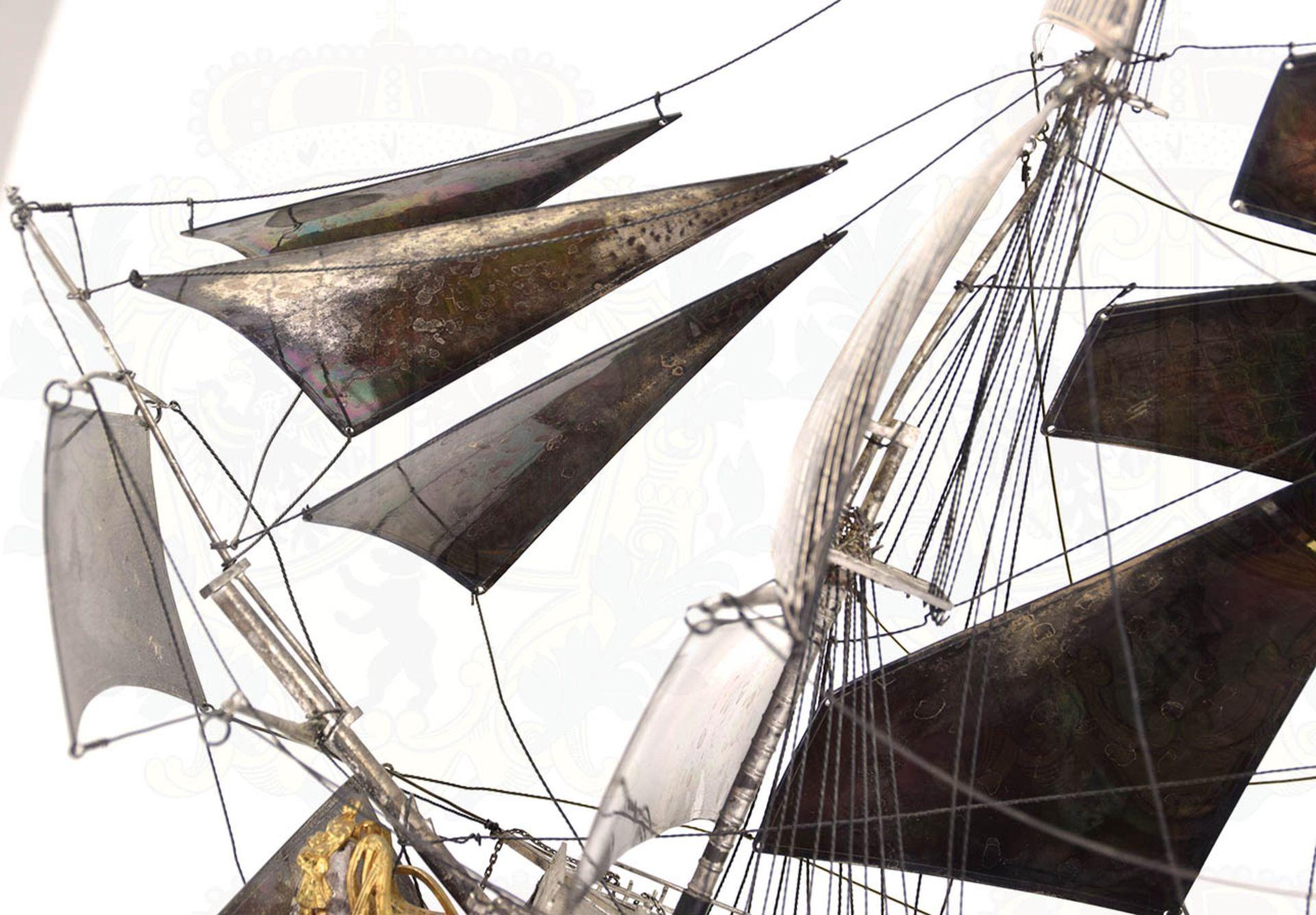 MODELL-LINIENSCHIFF, Dreidecker-Segellinienschiff der 2. Hälfte des 18. Jhd. mit 100 Kanonen, - Bild 8 aus 15