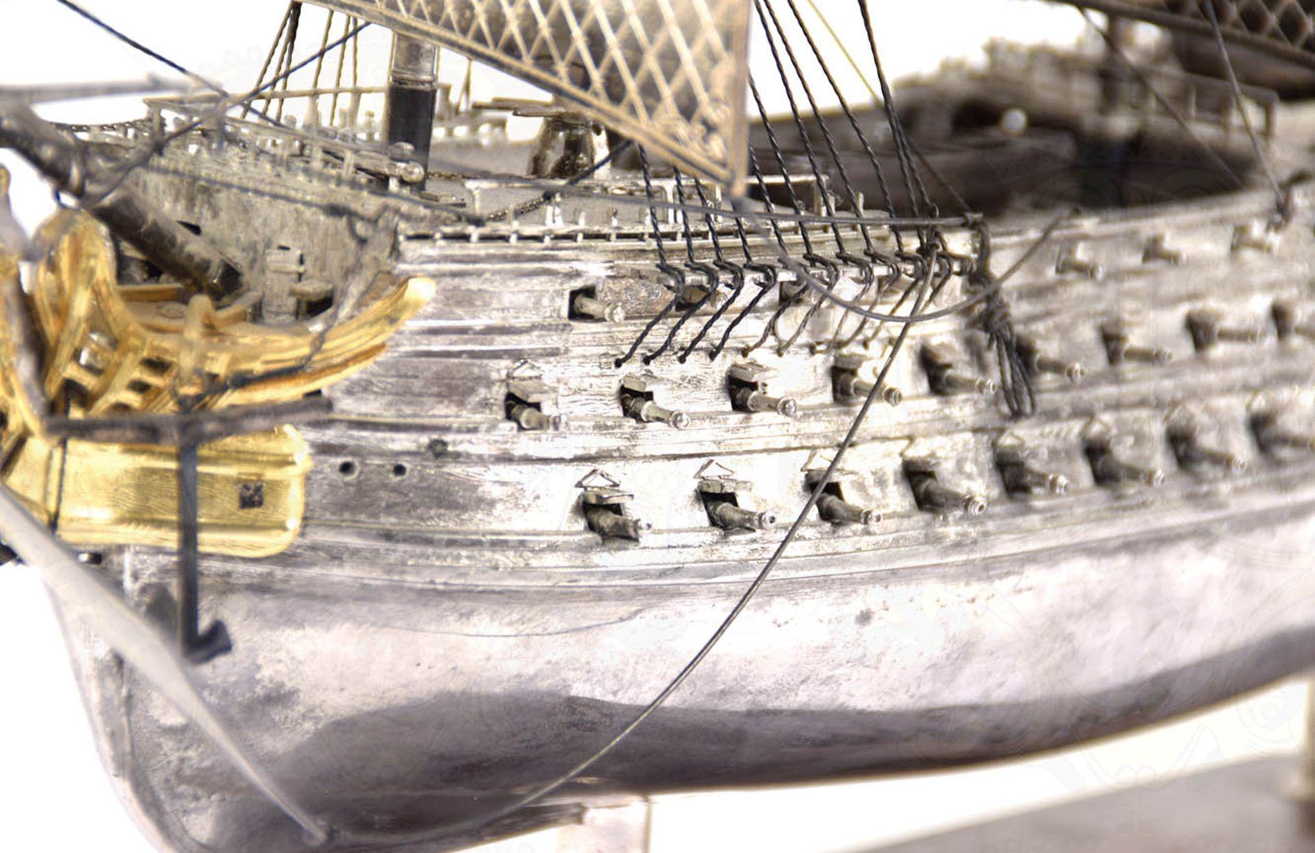 MODELL-LINIENSCHIFF, Dreidecker-Segellinienschiff der 2. Hälfte des 18. Jhd. mit 100 Kanonen, - Bild 2 aus 15