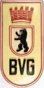 """DIENSTSTELLENSCHILD """"BVG"""", 50er Jahre, Holz farbig lackiert, 40x20 cm, m. Aufhänger, leichte"""