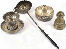 KONVOLUT METALL-GESCHIRR, alles ornamental, tls. durchbrochen, verziert: Bowlen-Kelle,
