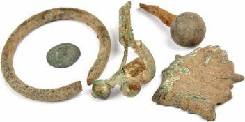 KONVOLUT: röm. Münze, 1 Denar, Kaiser Servus Alexander, um 230 n. Chr.; Reif, Ø 5 cm; Teil e.