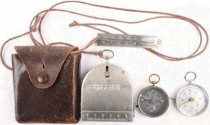 3 MARSCHKOMPASSE: Bezard-Kompass, Modell UBK III der 50er Jahre, in Leder-Etui mit dazugehörigem