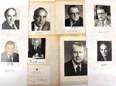 8 PORTRÄTFOTOS VON POLITIKERN, USA, Österreich, BRD u. Jamaica: u.a. C. Vance, R. Kirchschläger,