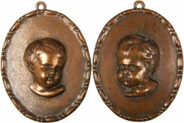 "2 RELIEF-PORTRAITS, getriebenes Kupfer, Büsten v. Putten, sign. ""AS"", oval, 14x11 cm, um 1900"