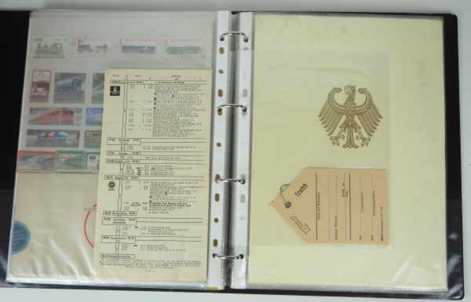 0.1.) Eisenbahn / Bergbau Eisenbahn - Ordner Dokumente.Broschüren, Briefmarken, Dokumente, Fotos, - Bild 2 aus 4