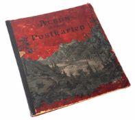 Postkartenalbum, um 1910 Auf der Vorderseite Alpenlandschaft. H.37cm.