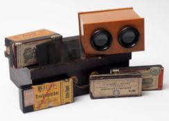 Stereoskop, 19.Jhdt. Dazu sechs Kartons mit Aqua-Trockenplatten