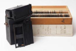 """Stereoskop, Frankreich 19.Jhdt. Bez. """"Le Glyphoscobe, Richard, Paris"""". Mit vier Steckrahmen im"""
