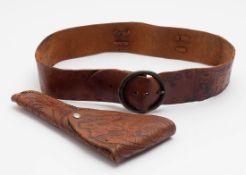 Gaucho-Gürtel mit Halfter, Südamerika Gepunztes Leder, mit originaler Schließe.