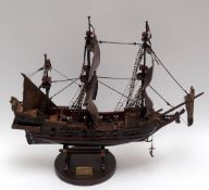 """Modell der Fregatte """"Leopard"""" Holz. L.70, H.62cm."""