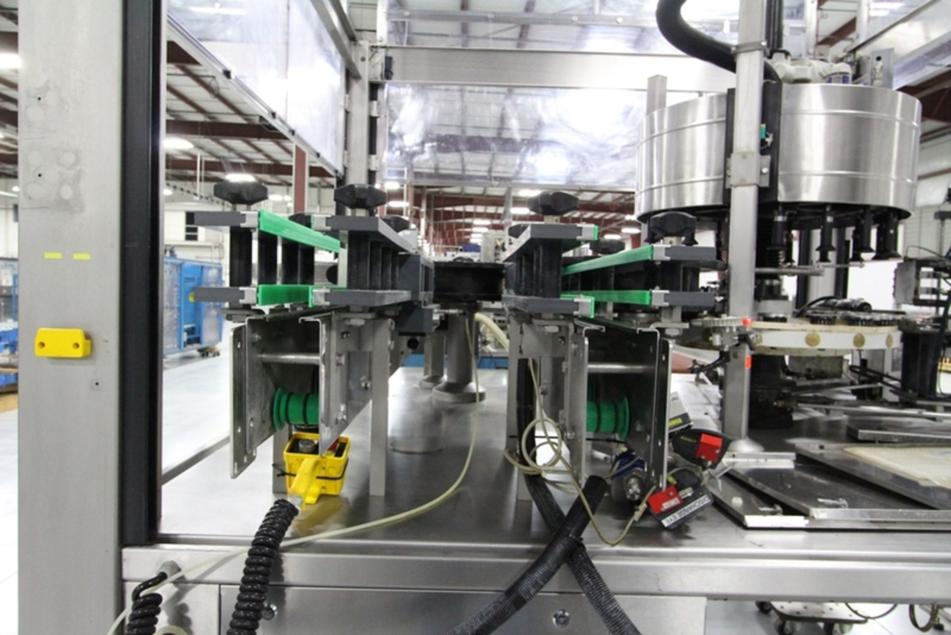 2003 Krones 18 Station Cut and Stack Labeler - Image 5 of 10