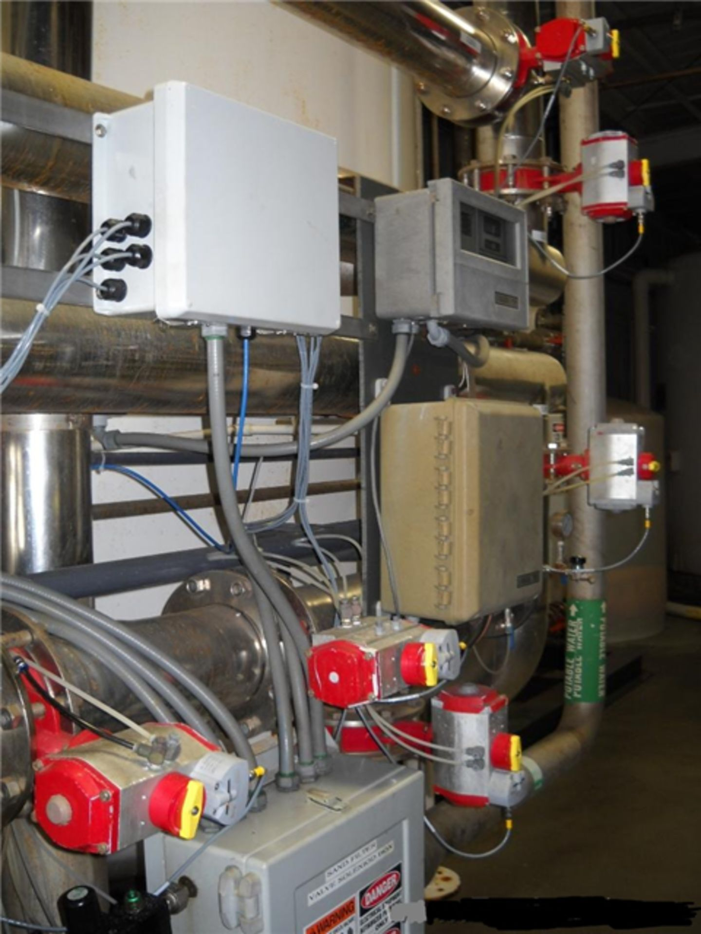 National Water Systems Sand/Carbon Media Filter Tank - Image 6 of 7
