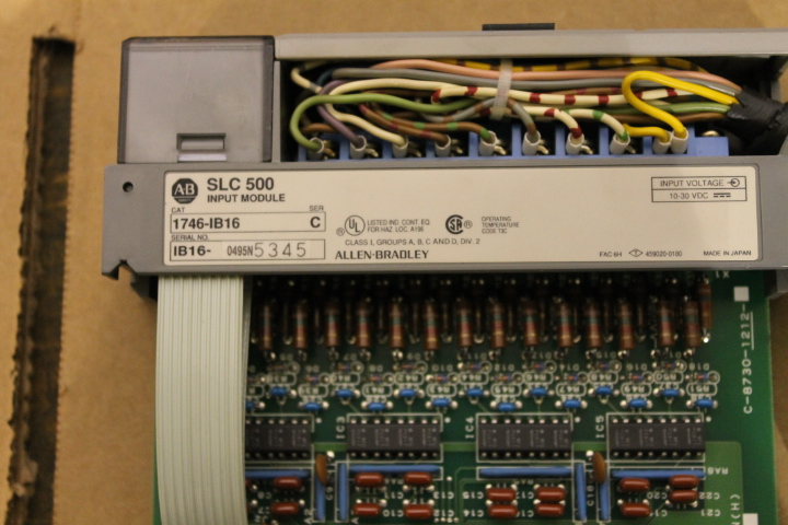 Lot 6 - ALLEN-BRADLEY SLC 500 RACK W/ VARIOUS CARDS (SEE PICTURES)