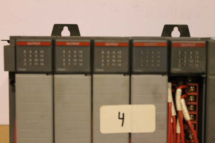 Lot 4 - ALLEN-BRADLEY SLC 500 RACK W/ VARIOUS CARDS (SEE PICTURES)