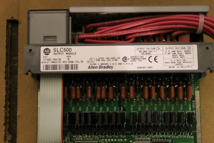 Lot 9 - ALLEN-BRADLEY SLC 500 RACK W/ VARIOUS CARDS (SEE PICTURES)