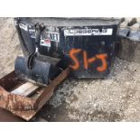 Loegering hydraulic mud bucket for Skidloader.