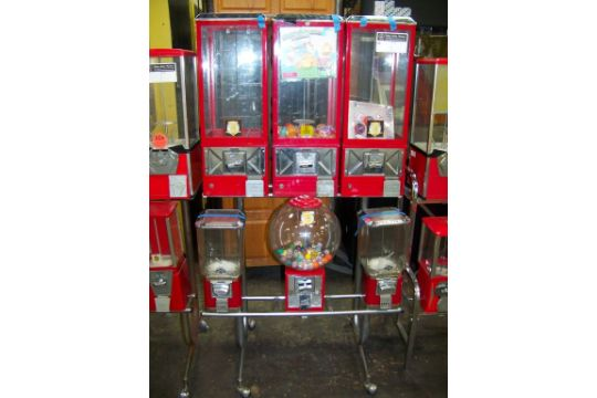combo candy capsule sticker vending rack dd item is in used