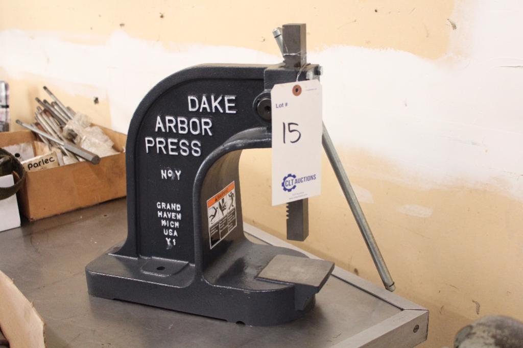 Lot 15 - Dake Arbor Press No.Y