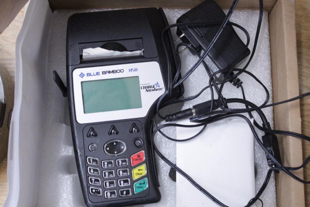 Lot 7 - Blue Bamboo H50 credit card terminals