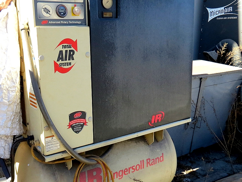 Lot 6 - Ingersoll Rand UP6-7 Rotary Screw Compressor, 7.5-HP, 230V, 3-PHASE, 125 PSI, 3200-RPM, 60HZ, 80 GAL