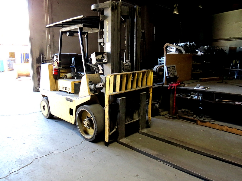 Lot 1 - 2000 Hyster XL2 155, Space Saver Forklift, 15,000 lbs. Capcity, 5,031 Hours, 3-Stage,