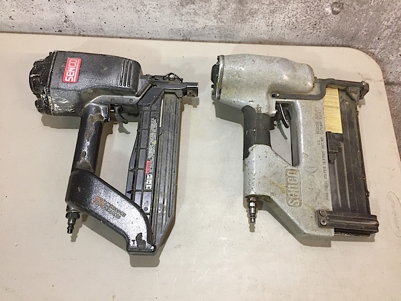 Lot 11 - LOT OF 2 STAPLE GUNS
