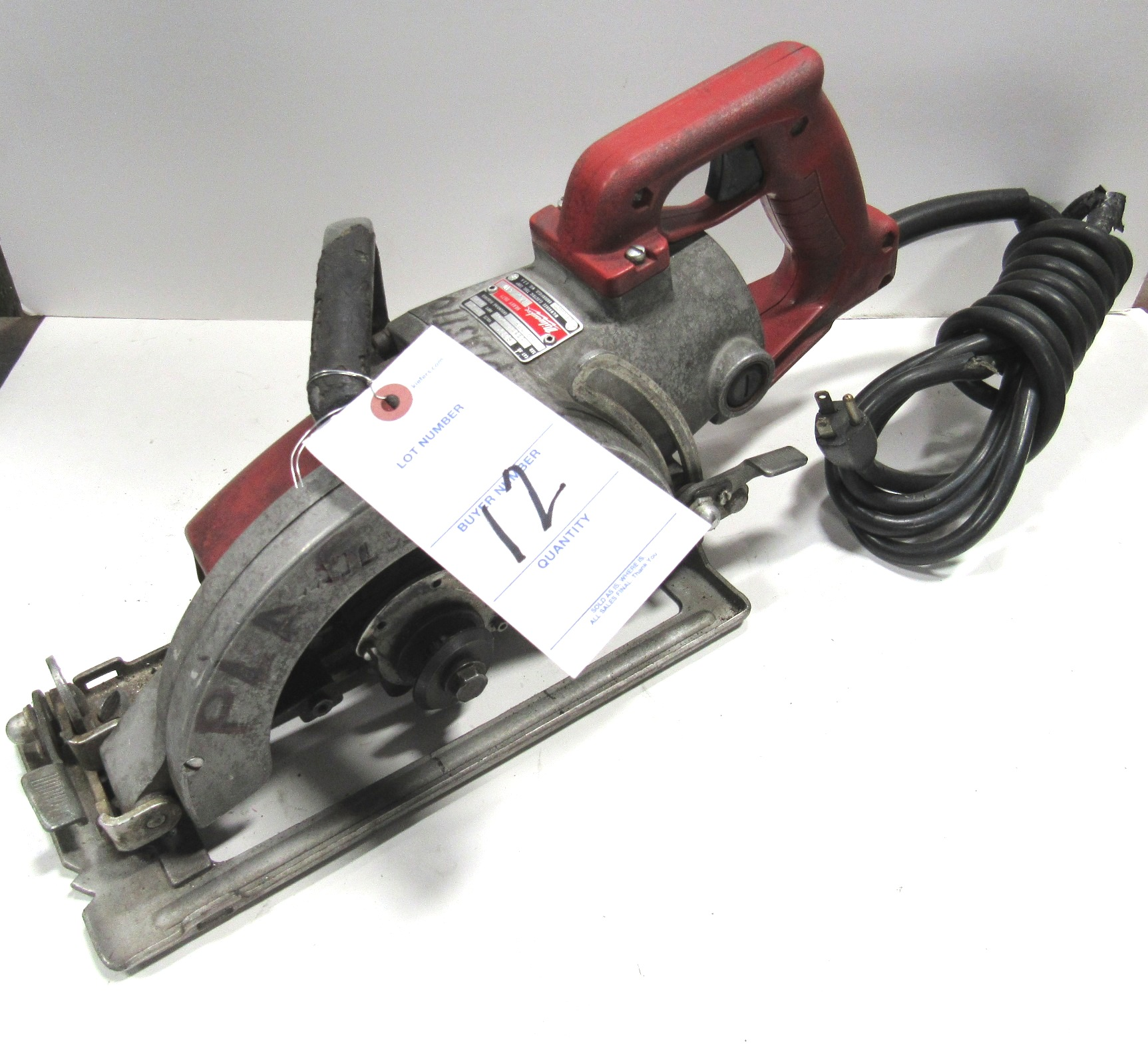 "Lot 12 - 7 1/2"" Milwaukee Mod. 6370 Heavy Duty Saw"