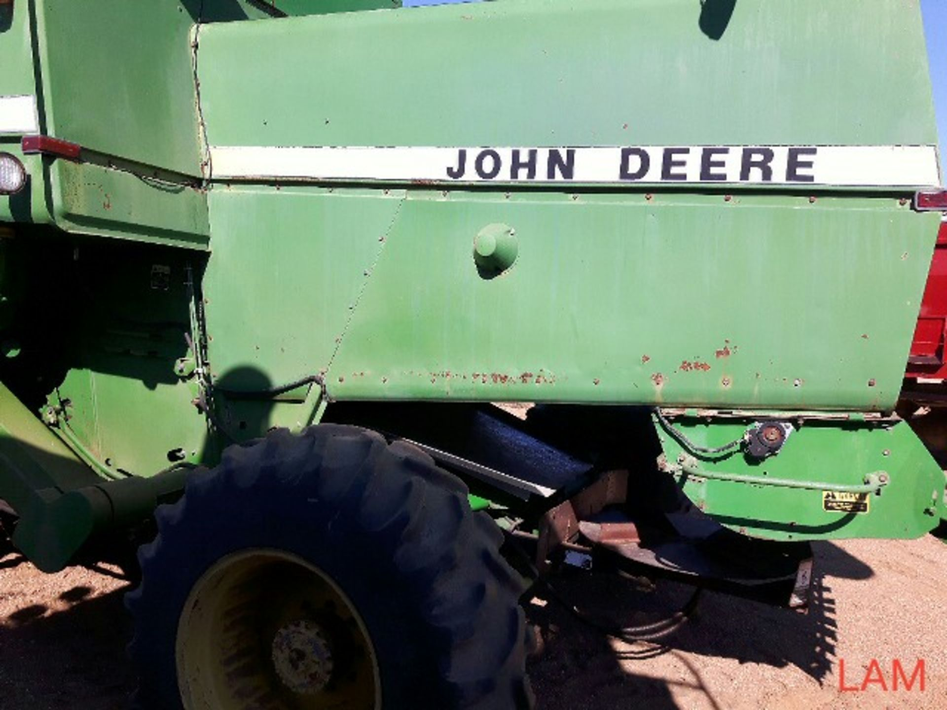 8820 JD Combine Hydrostatic Drive, 3315hrs, c/w New Headliner and padding, to arrive beginning of - Image 9 of 14