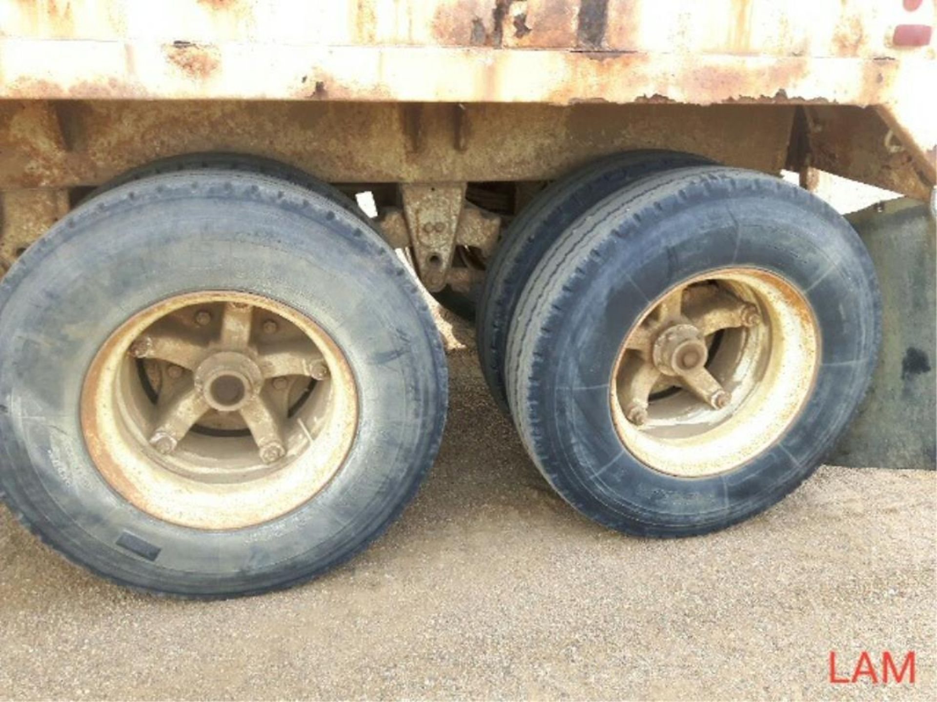 1981 Lode T/A Grain Trailer sn HGT380681K123 Lot # ,& Selling on choice - Image 4 of 9