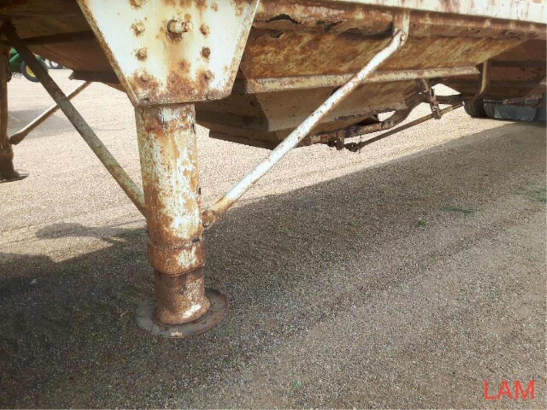 1981 Lode T/A Grain Trailer sn HGT380681K123 Lot # ,& Selling on choice - Image 2 of 9