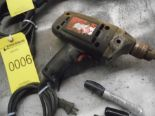Lot 7 - CRAFTSMAN 3/8'' ELECTRIC DRILL