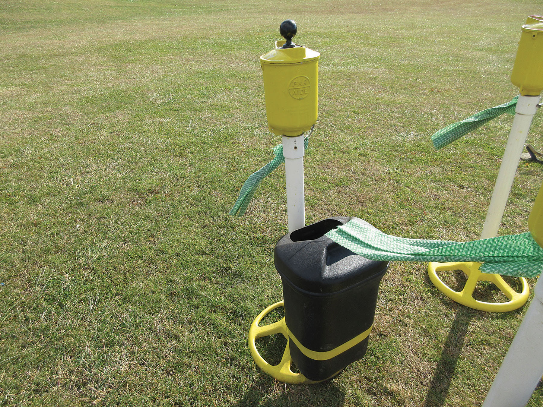 Lot 20 - PAR AIDE GOLF BALL WASHER