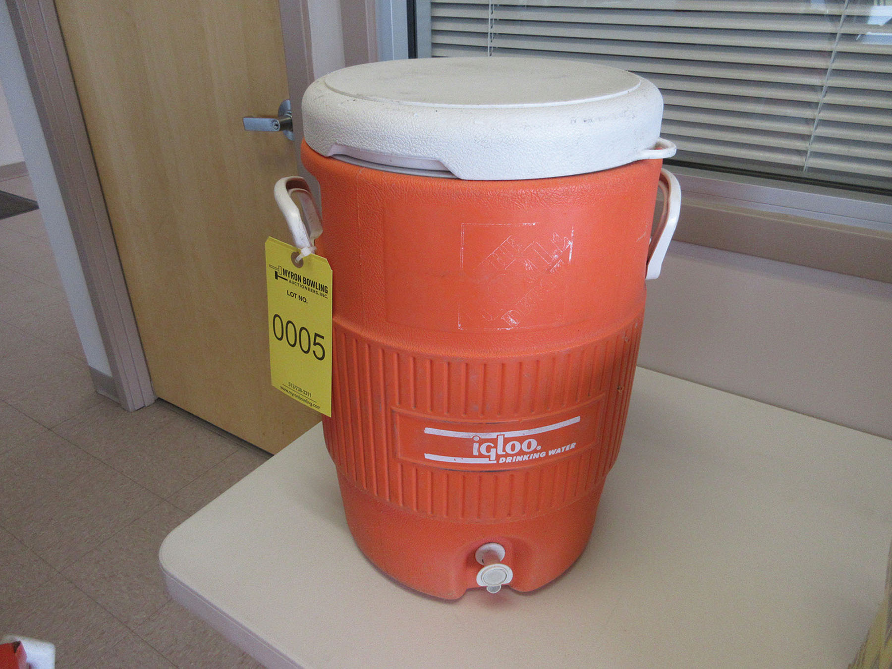 Lot 5 - IGLOO 5-GALLON WATER COOLER