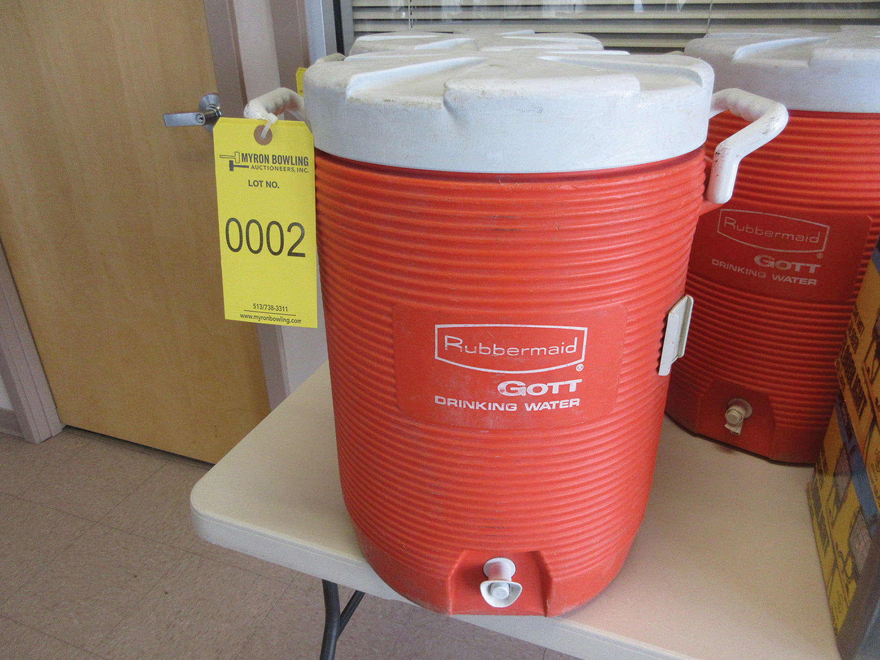 Lot 2 - RUBBERMAID 5-GALLON WATER COOLER