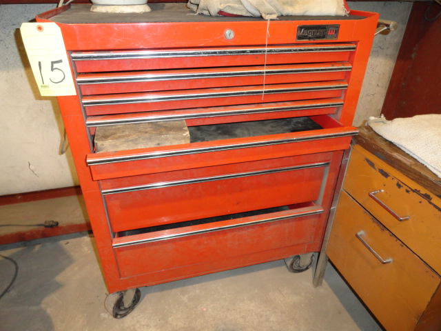 Lot 15 - ROLL AROUND TOOLBOX, MAGNUM, 8-drawer