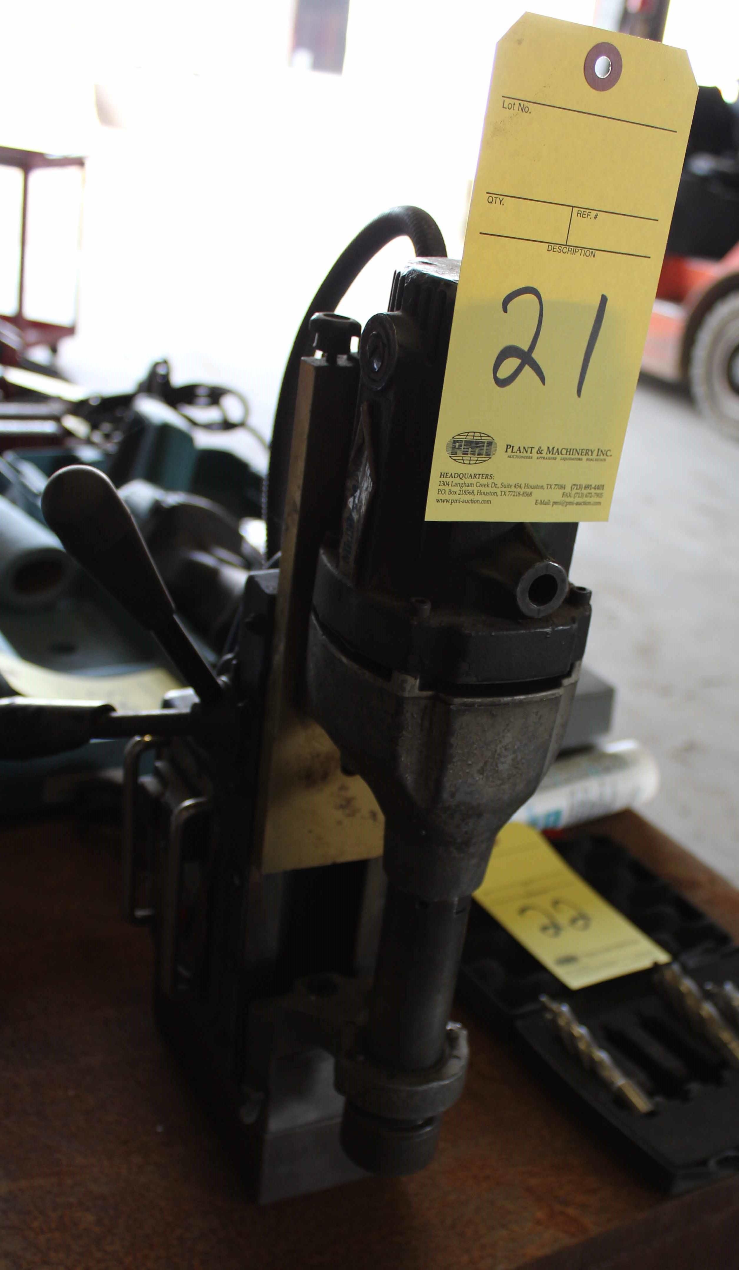 Lot 21 - MAGNETIC BASE DRILL, ROTO BRUTE MINIBRUTE MDL. AC35