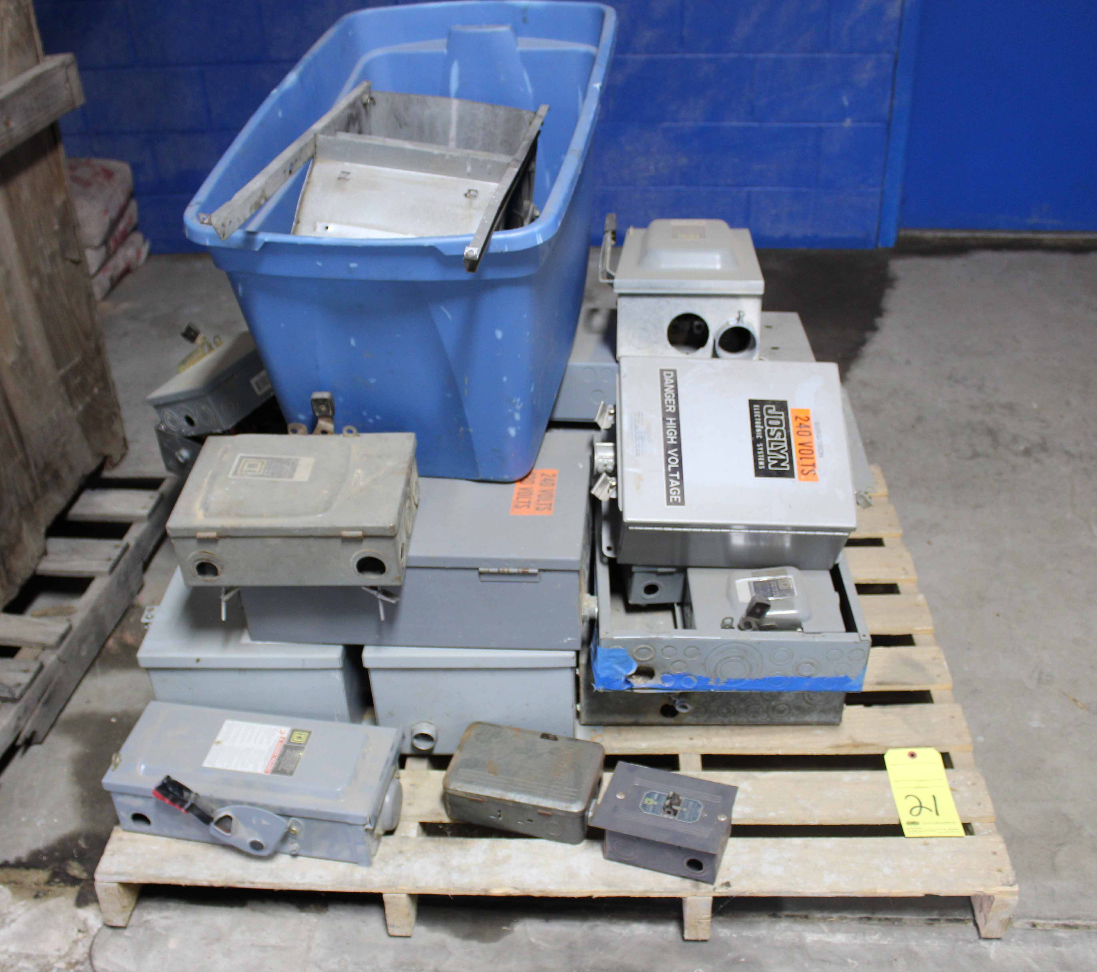Lot 21 - LOT OF ELECTRICAL DISCONNECT BOXES