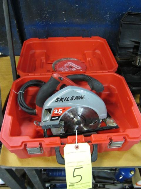 "Lot 5 - SKILSAW, 2-1/2 HP motor, 13 amp, 7-1/4"" blade"