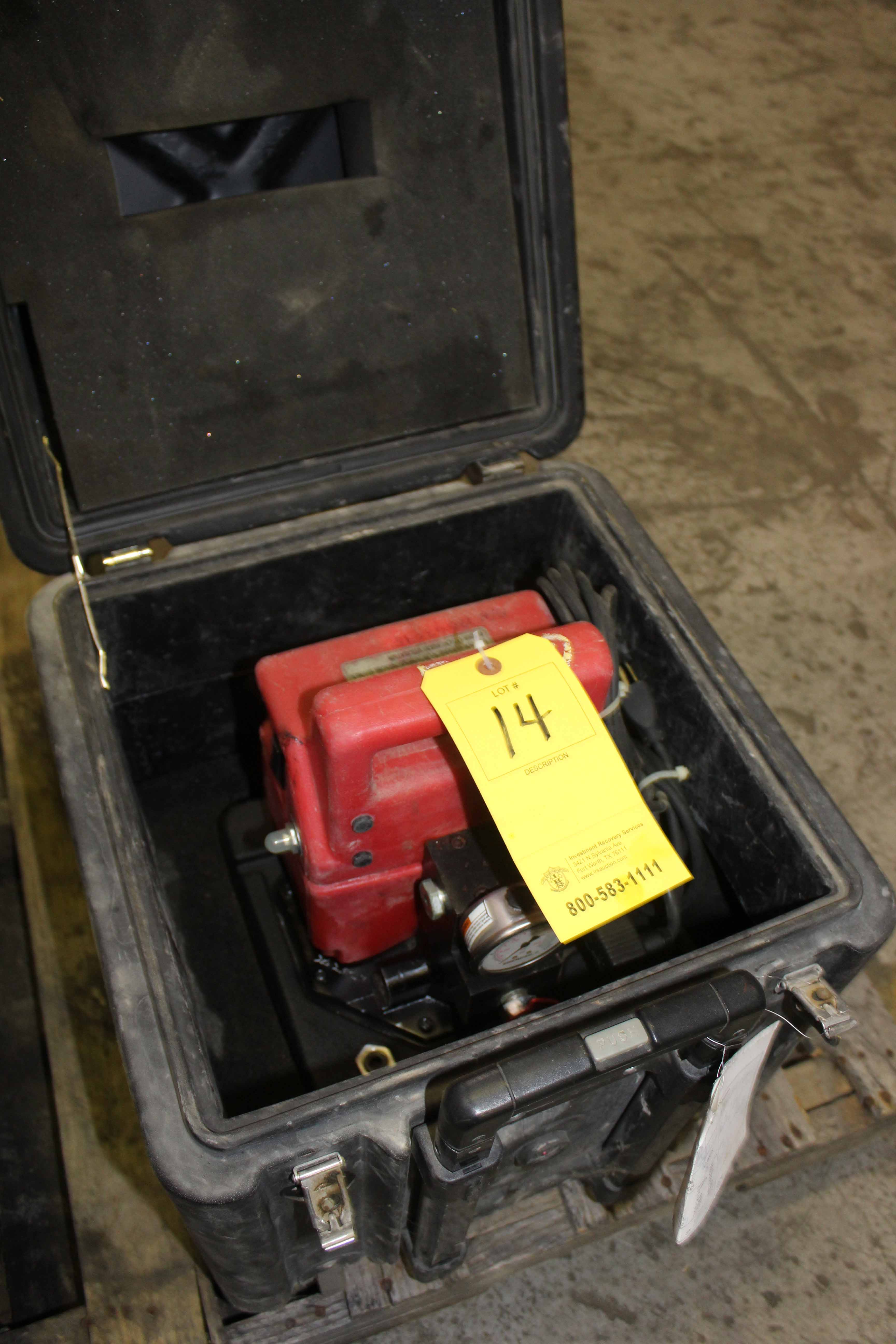 Lot 14 - PORTABLE ELECTRIC PUMP, ENERPAC MDL. L2062, 1/2 HP, w/case