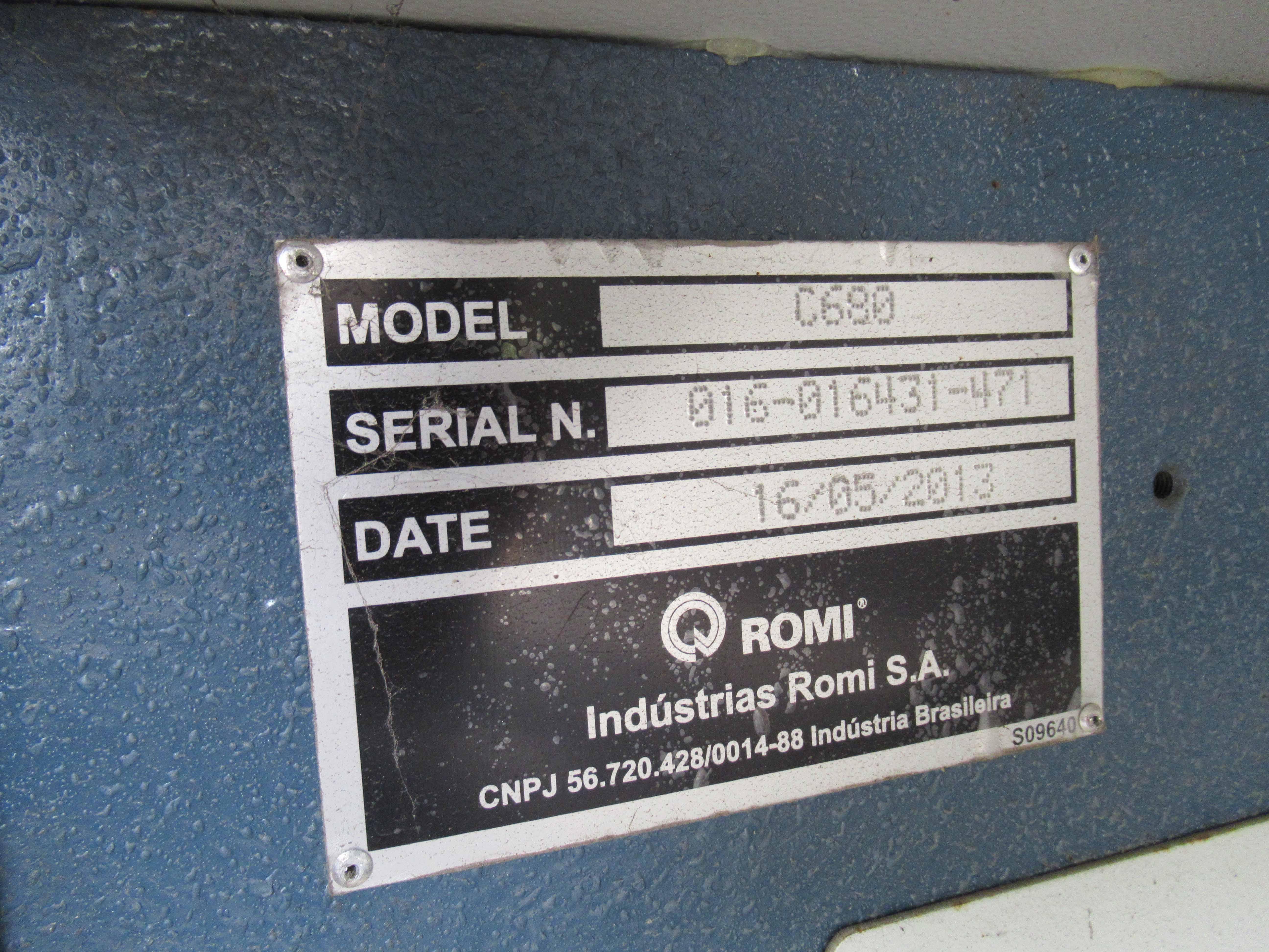 """Lot 15 - ROMI MDL. C680 COMBINATION LATHE, new 2013, Siemens 802Dsl Pro CNC control, 6.77"""" spdl. bore w/A2-11"""