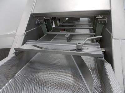 "Lot 21 - Meyer mod. VF11-OV-24, 24""x20' 2-Lane Vibratory Feed System; S/N 2355"