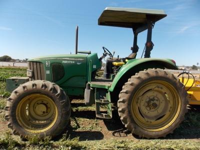 Lot 104 - (2006) John Deere mod. 6420, MFWD, 4-Spd Semi-Automatic Farm Tractor, 3pt. Hitch.