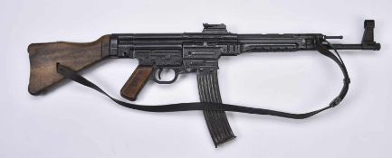 Sturmgewehr MP44 calibre 7,92 kurz. Fabrication «COS», numéro«3923ad/44», marquages «X»