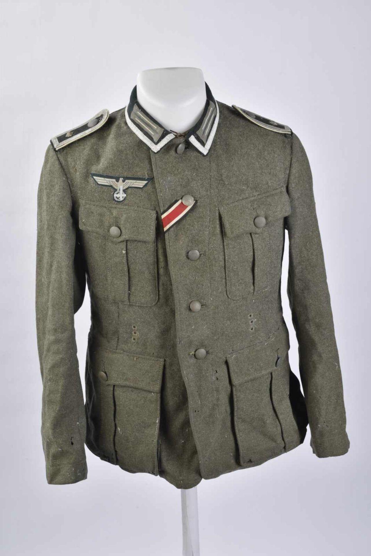 Vareuse de Feldwebel d'infanterie modèle 36 en tissu laineux Feldgrau, tous les boutons sont